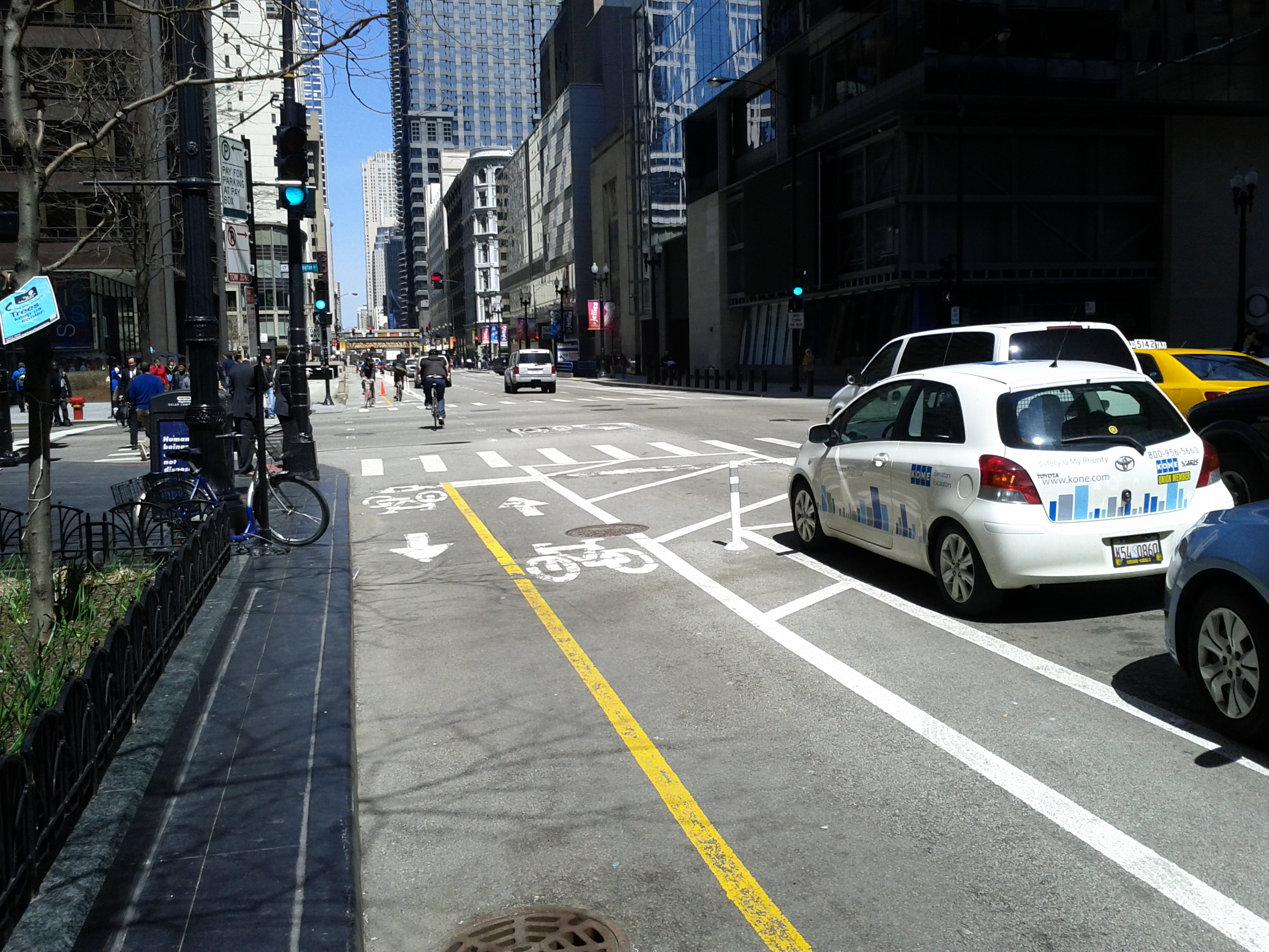 Chicago Opens First Two-Way Protected Bike Lane in the ...One Way Street Intersection